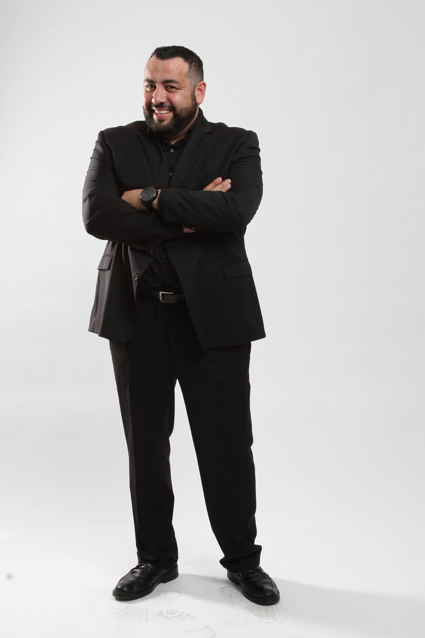 Richard Villa Full Suit Headshot 4